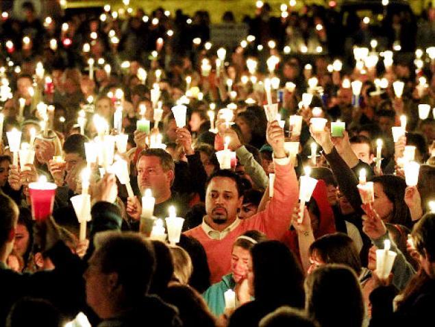 candlelight vigil 1